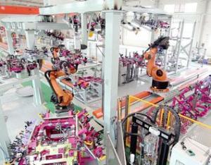 门盖机器人涂胶生产线1