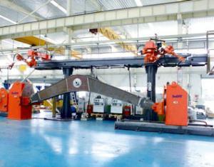动臂双机器人焊接系统