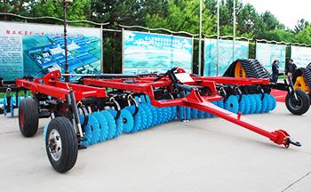 大型农机具