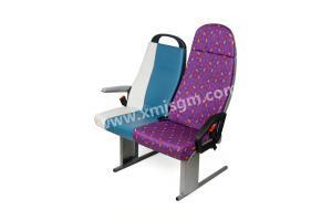 佳德1.0座椅(左)+佳德7.0座椅(右)