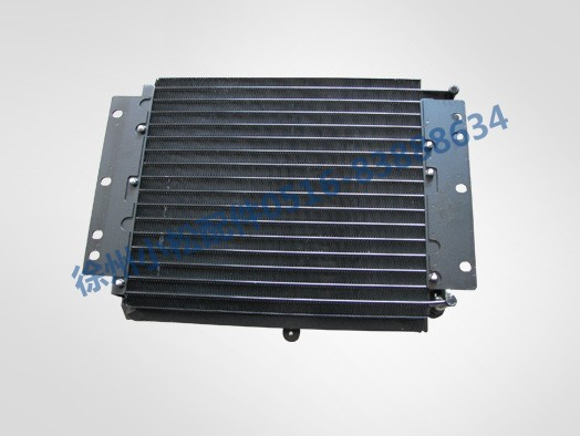 PC220-6冷凝器1